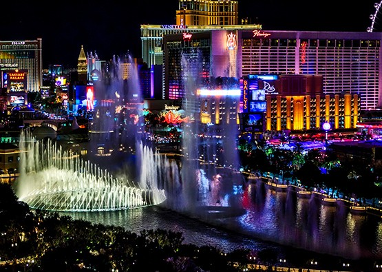 TOP 10 THINGS TO DO IN VEGAS